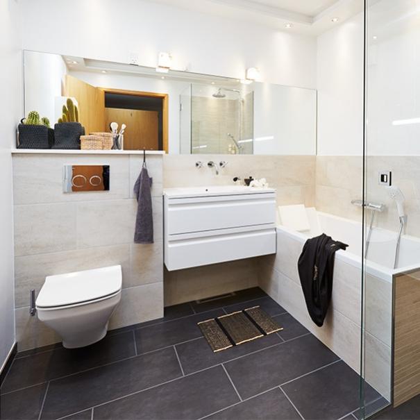 Skab daglys i en badeværelse uden vinduer